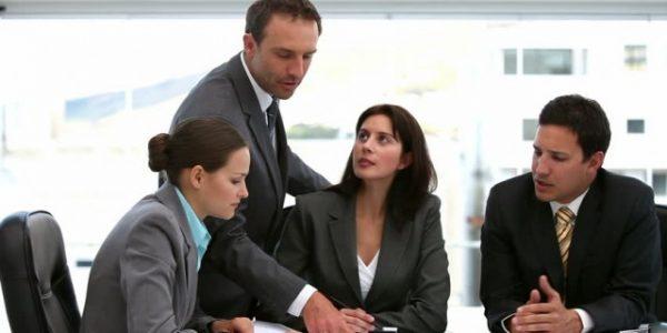 como gestionar a sus empleados